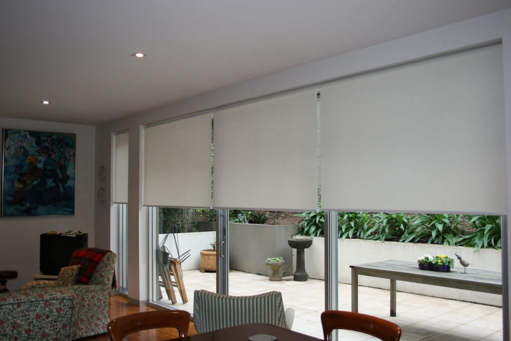 white sunscreen roller blinds